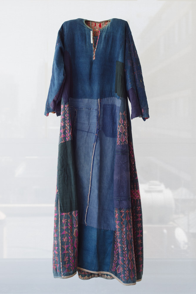 Everyday dress, shown inside-out, Hebron or Southern Coast of Palestine, early twentieth century, from the collection of Widad Kawar, image Tanya Traboulsi for the Palestinian Museum.